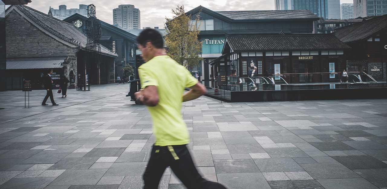 Man running in the daylight